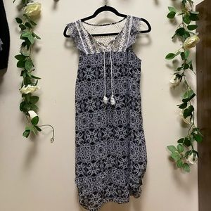 Target Peasant Black and White Shift Dress S